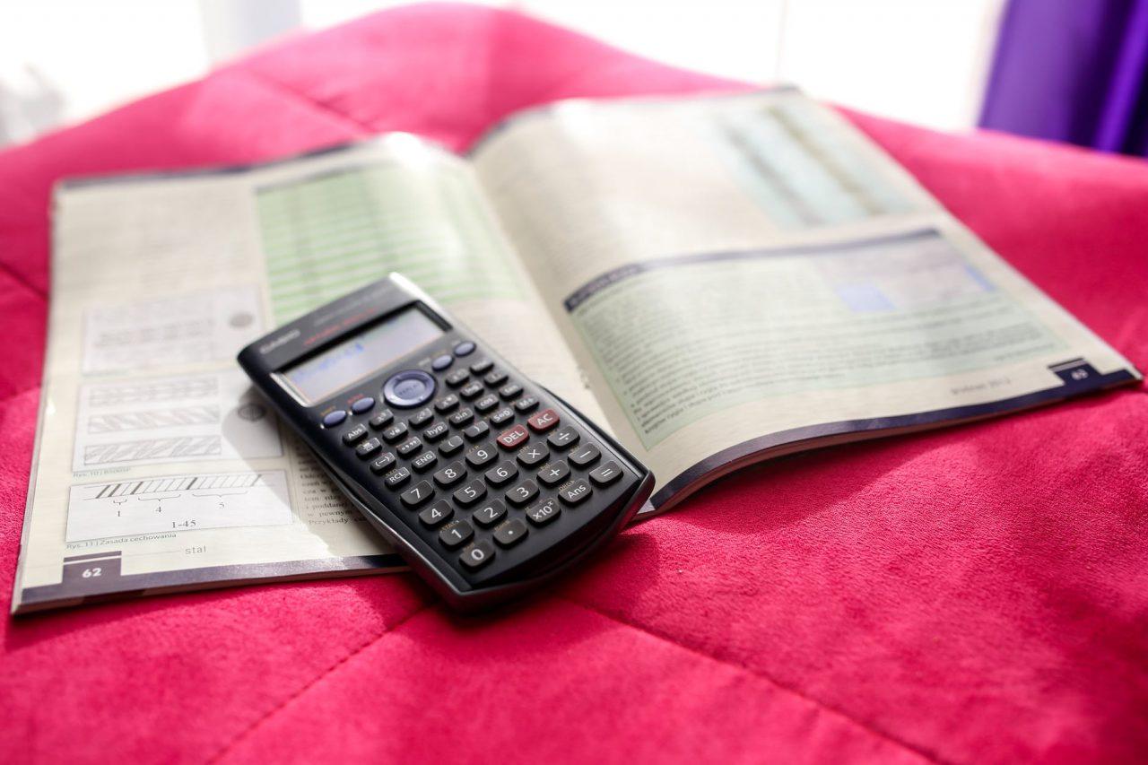 Kredyt konsolidacyjny online – jak skonsolidować swoje zobowiązania w jedno?